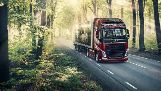 Ter ere van 25 jaar Volvo FH introduceren we de Volvo FH 25 Year Special Edition